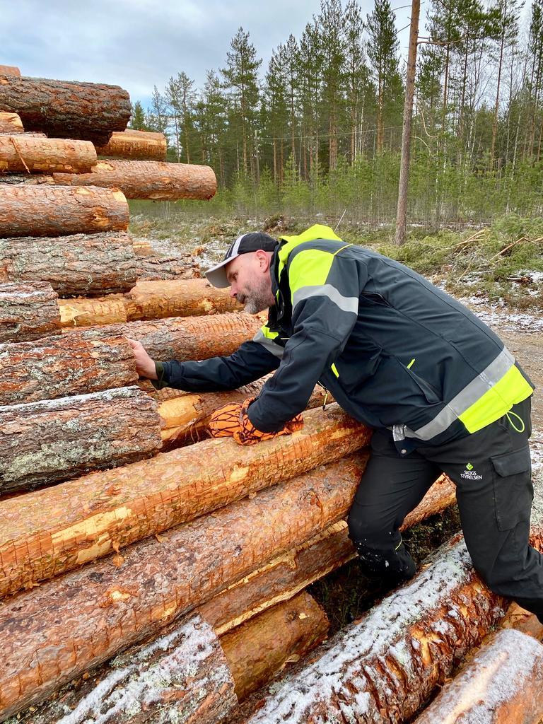 """Alltfler tjejer i Vansbro kör epa: """"För friheten"""""""